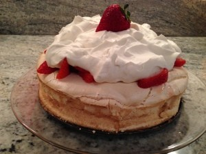 STRAWBERRY SCHAUM TORTE