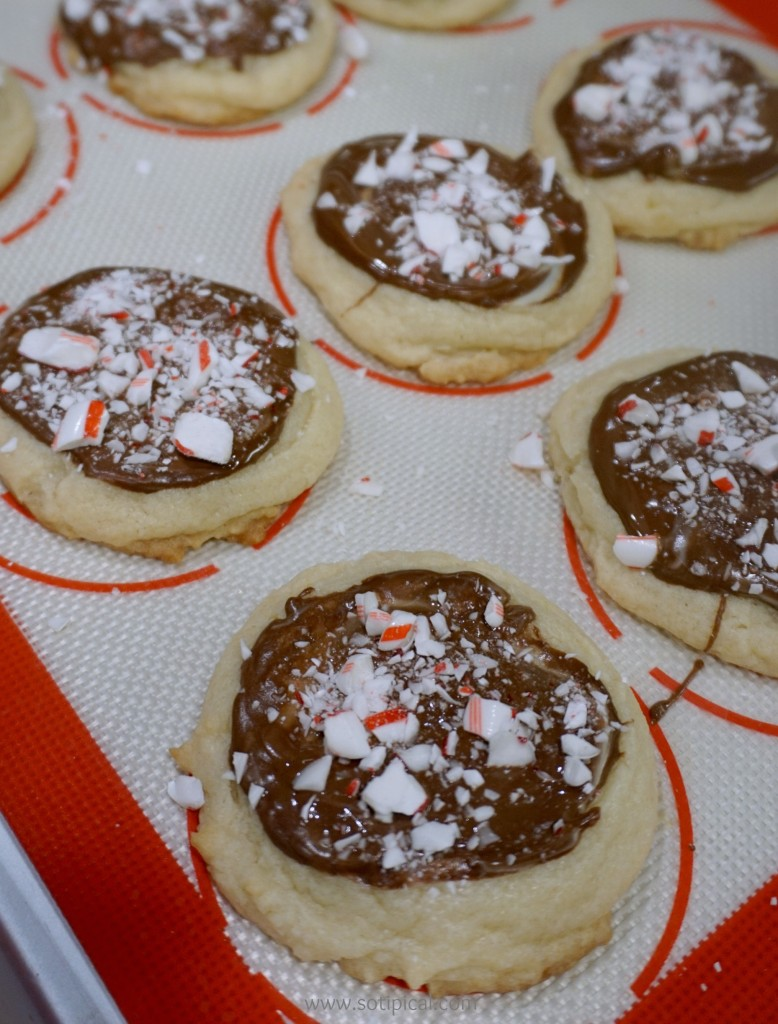 peppermint-bark-cookies-cc-crush