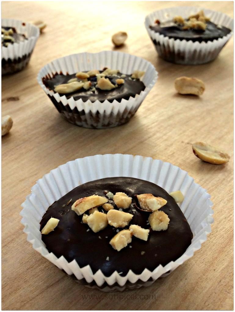 gluten free caramel peanut tarts