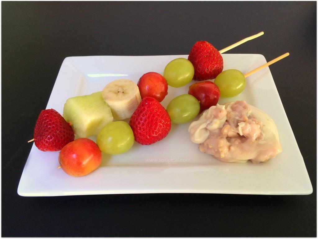 strawberry cheesecake fruit dip skewers